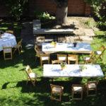 le-chateau-courtyard-meeting